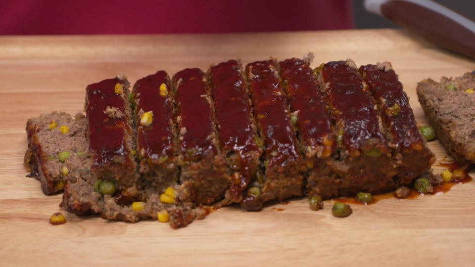Momma S Kitchen Sink Meatloaf Recipe By Chef Jernard Cleo Tv